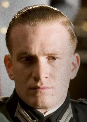 Jamie Parker als Werner von Haeften
