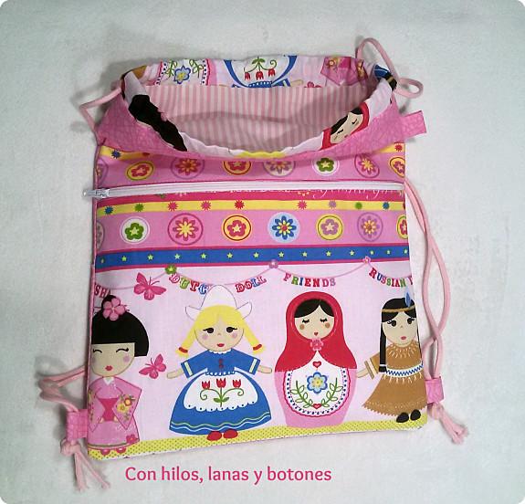 Con hilos, lanas y botones: Mochila muñecas del mundo