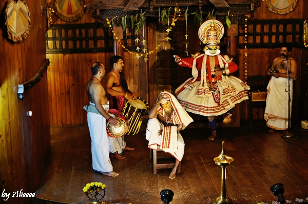 Kathakali-teatru-Kerala