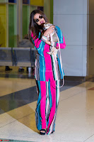 Priyanka Chopra in Colorful Jumpsuit arriving at JFK Airport New York 18 June 2017 ~  Exclusive 026.jpg