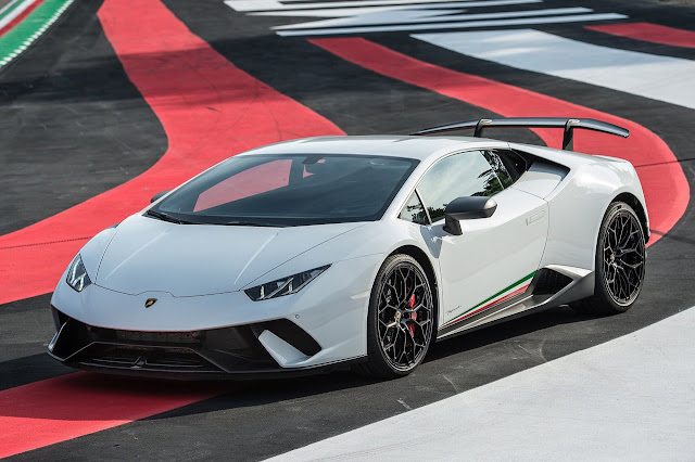Lamborghini says it will be the last manufacturer to offer autonomous driving