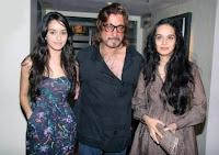 Shraddha Kapoor dengan ayahnya Shakti Kapoor
