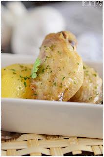 Alitas de pollo al ajillo en panificadora
