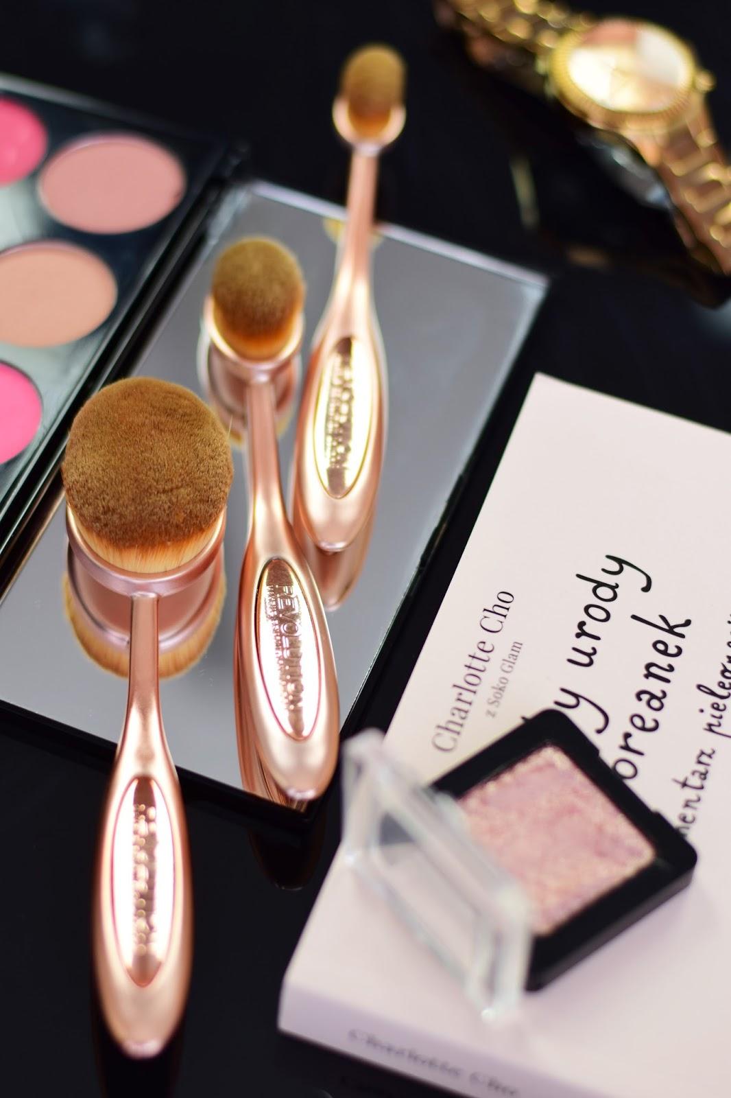 makeup_revolution_zestaw_szczotek_do_makijażu_twarzy_blog_opinie