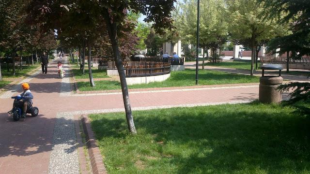 bursa yıldırım belediyesi önü bahçesi parkı