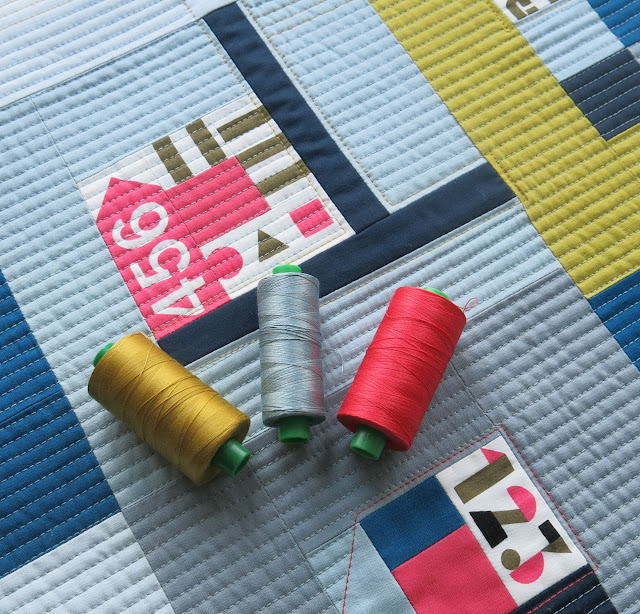 Luna Lovequilts - La vie est trop courte - Quilting detail and Aurifil threads