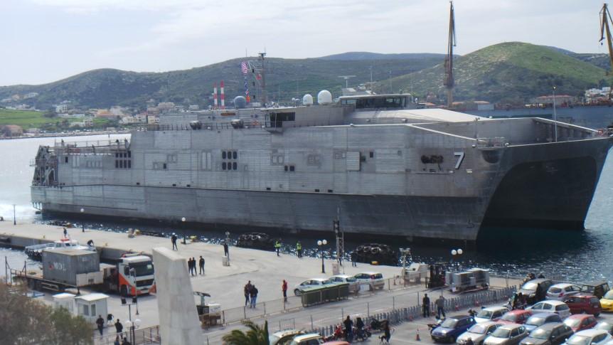 Στη Σύρο έφτασε το πιο σύγχρονο ταχύπλοο του αμερικανικού ναυτικού