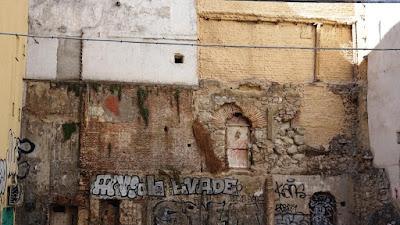 Restos de muralla en la Calle de la Escalinata
