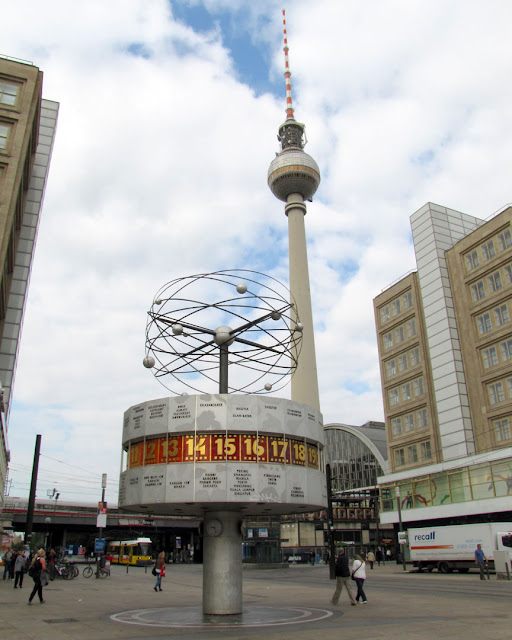 Urania-Weltzeituhr, Urania world time clock by Erich John, Fernsehturm, Television tower by Hermann Henselmann, Alexanderplatz, Berlin