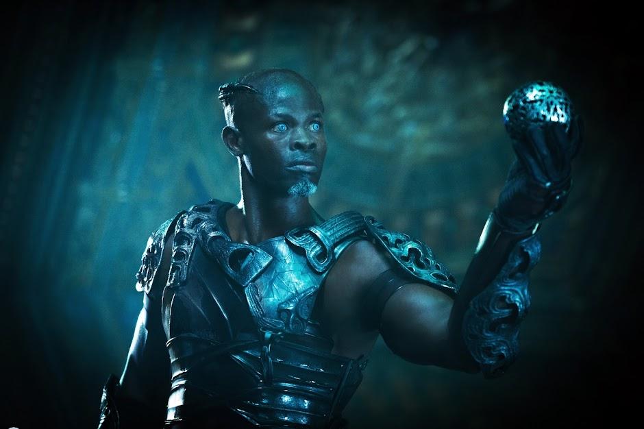 """Djimon Hounsou vai interpretar o Mago em """"Shazam!"""""""