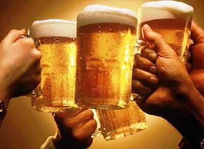 Thói quen uống nhiều bia rượu gây đau dạ dày
