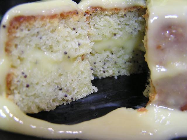 Tarta de lima con semillas de amapola