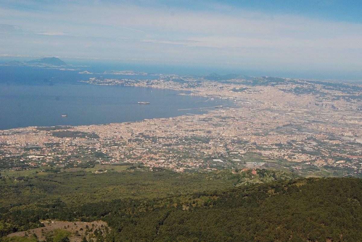 Et la récompense, lorsque le temps le permet, avec une vue imprenable sur Naples !