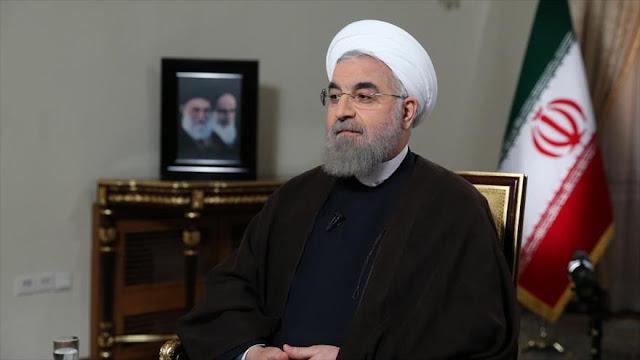 O presidente iraniano Hassan Rohani no domingo criticou o comportamento dos candidatos presidenciais norte-americanos durante os seus debates recentes