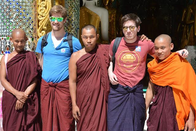 les moines et nous