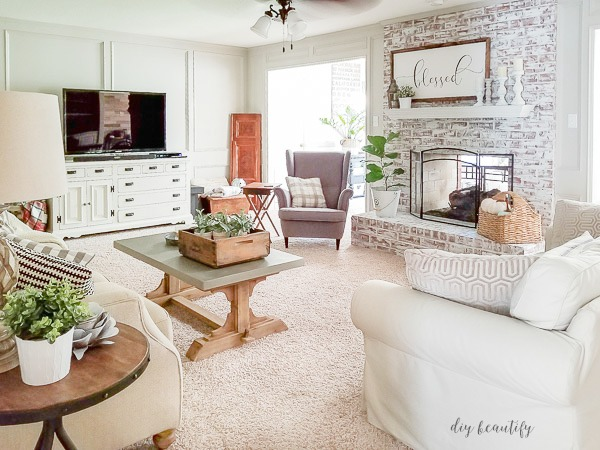 Living room with painted fireplace | diy beautify blog