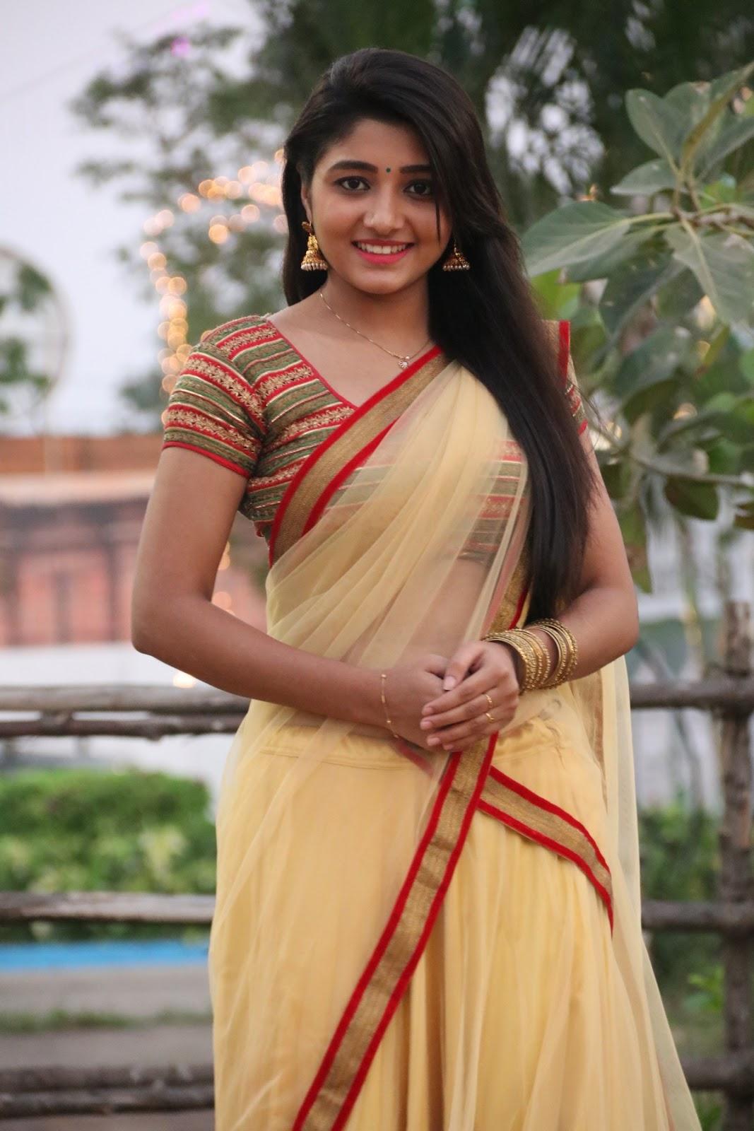 aditi menon new sizzling half saree stills-HQ-Photo-4