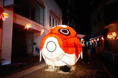 山口の「金魚ちょうちん祭り」はねぶたもあってとても賑やかなお祭りです