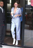 Gigi-Hadid-Braless-in-NYC-654+%7E+SexyCelebs.in+Exclusive.jpg