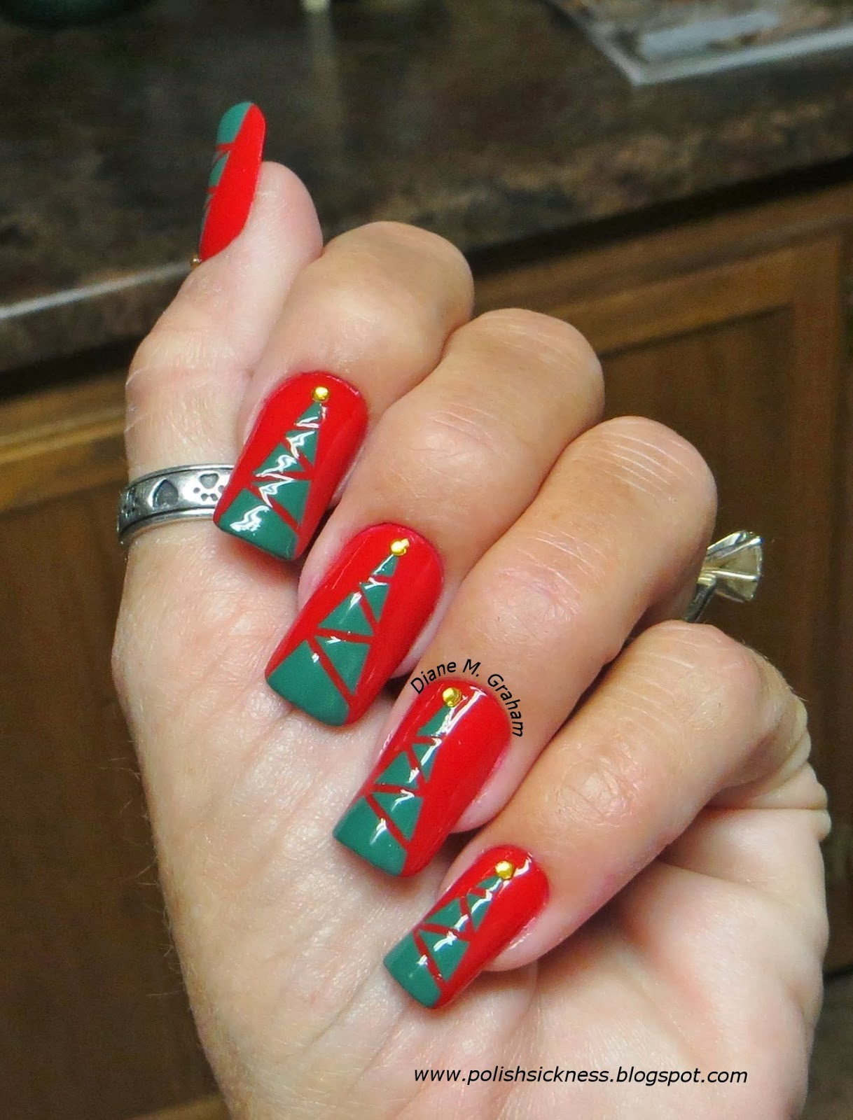 Custom Nail Solutions Add A Festive Amp Merry Manicure To