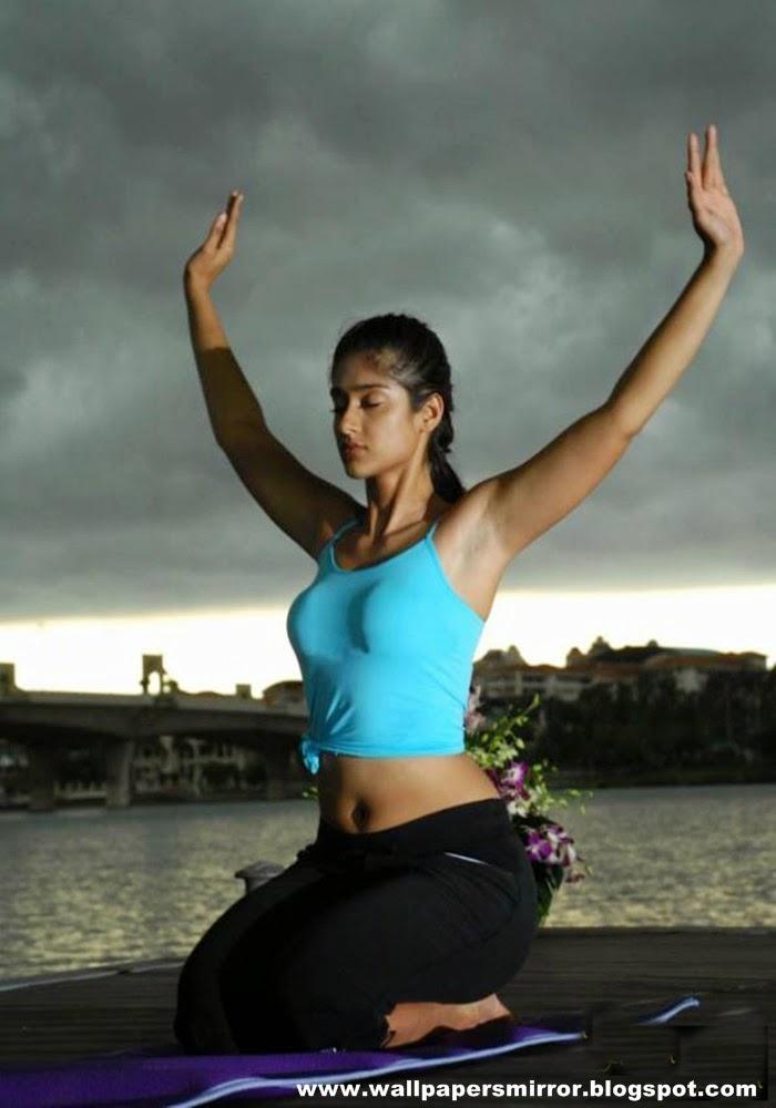 Top 5 beautiful girl yoga pics - Sri Krishna wallpapers ...