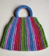 http://www.ravelry.com/patterns/library/swing-bag