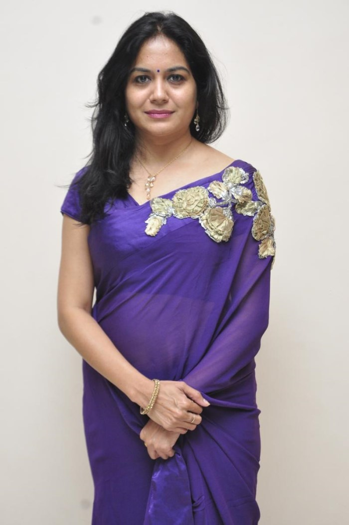 Singer Sunitha Latest Photos In Violet Saree