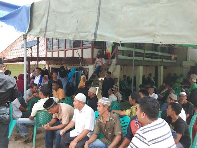 Ratusan Pelayat Tunggu Kedatangan Jenaza Candra