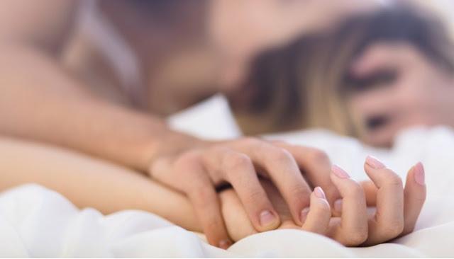 Enam Tips Dari Para Ahli Tuk Jaga Keintimanmu Bersama Pasangan Di Atas Ranjang