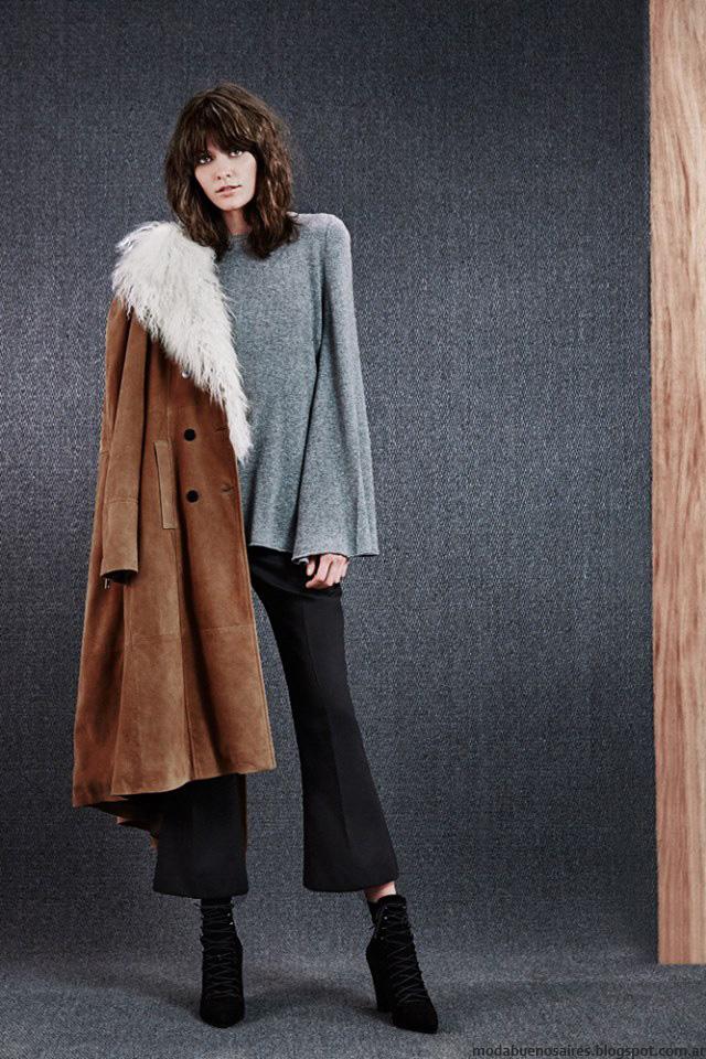 Sacos, capas, pantalones moda invierno 2016 Paula Cahen D'Anvers. Moda 2016.
