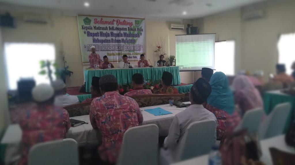 Kepala Madrasah Se-Rokan Hulu Bahas Persiapan UNBK dan UAMBN-BK 2019