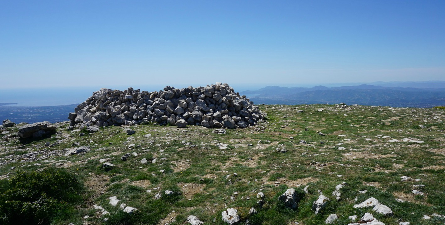 The summit of Pic de Courmettes