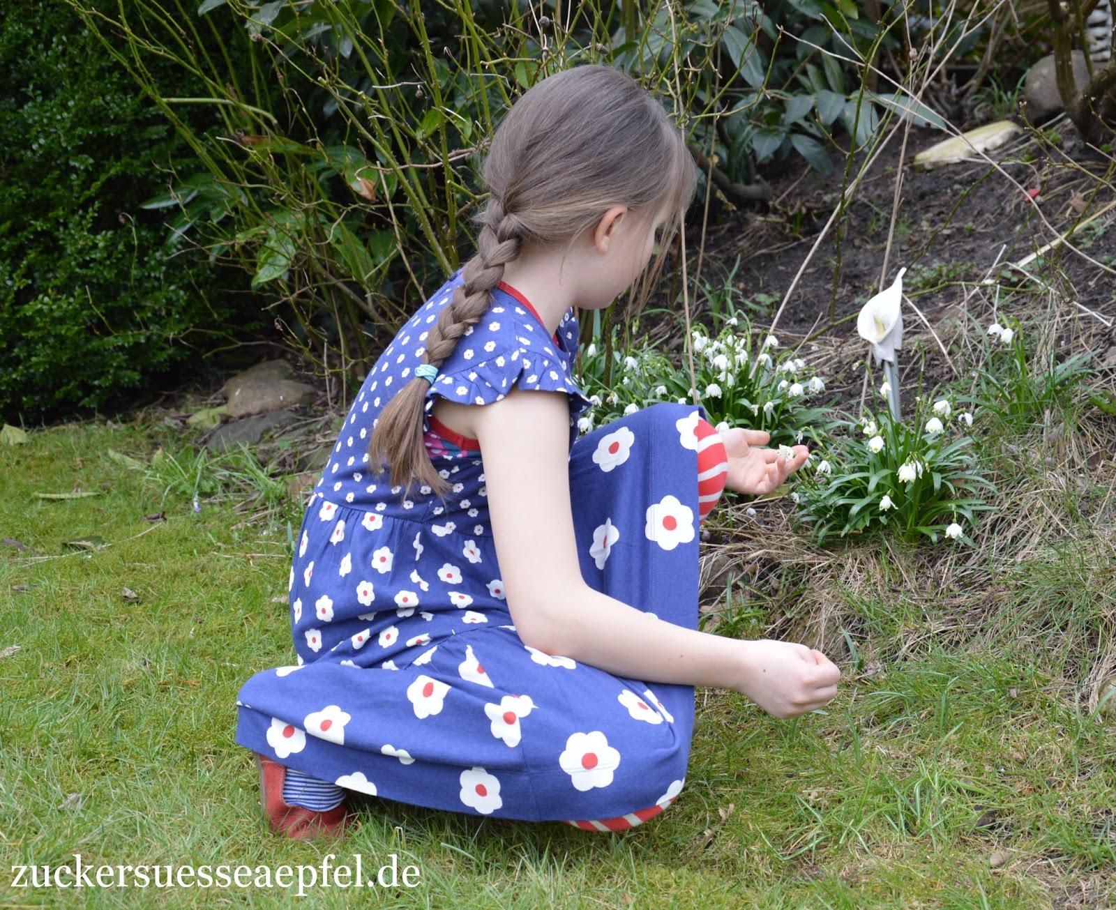 Die fröhliche Frühlings  und Sommerkleidung für Mädchen von Mini ...