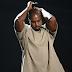 Aparentemente, Kanye West acabou de ser hospitalizado à força