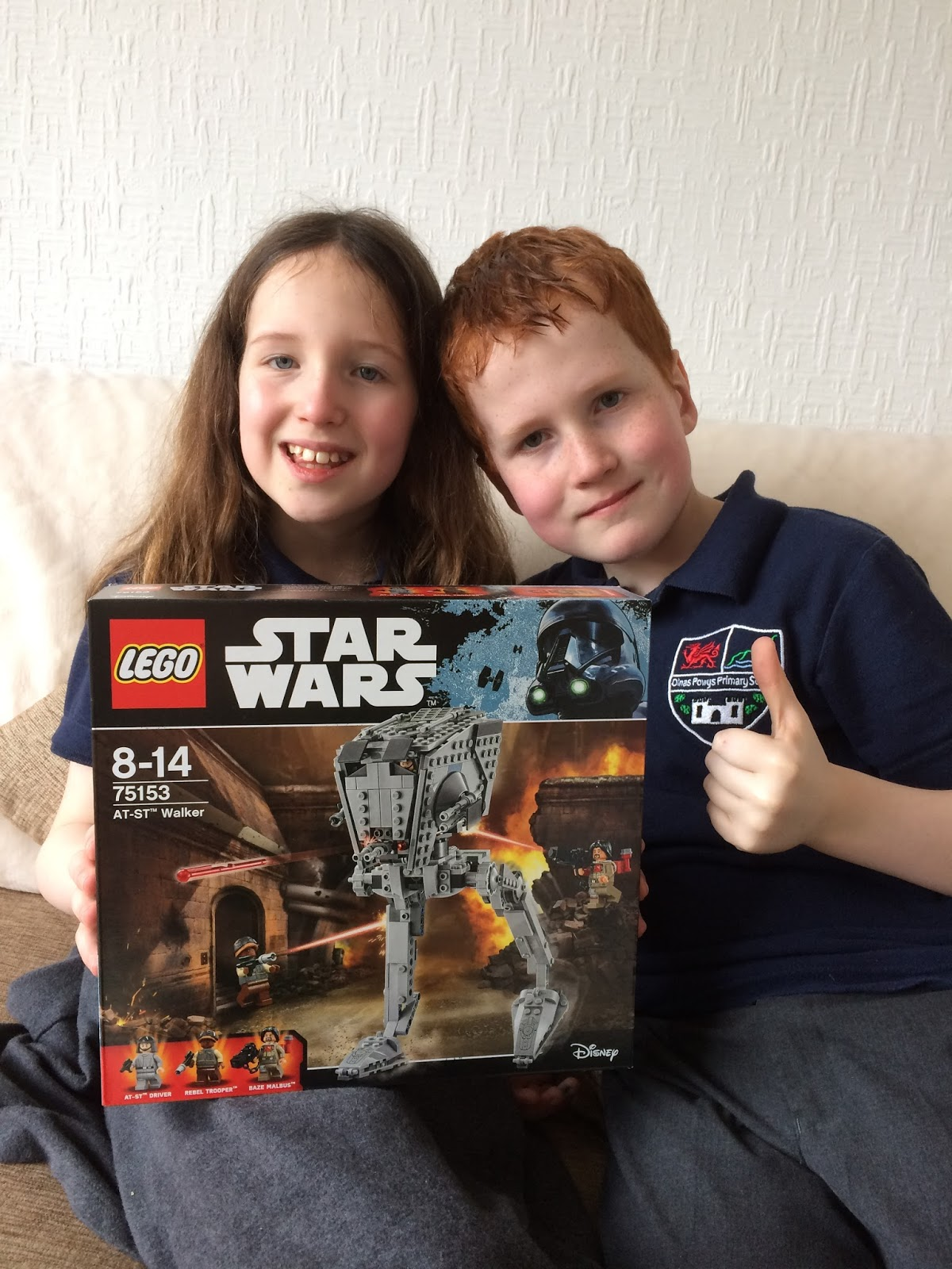 Caitlin & Ieuan with the Lego 75153 Star Wars AT-ST Walker Building Set