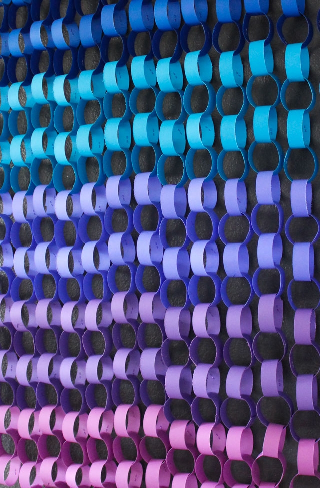 Make gorgeous modern paper wall art with simple paper chains! #paperchains #ombreart #astrobrights