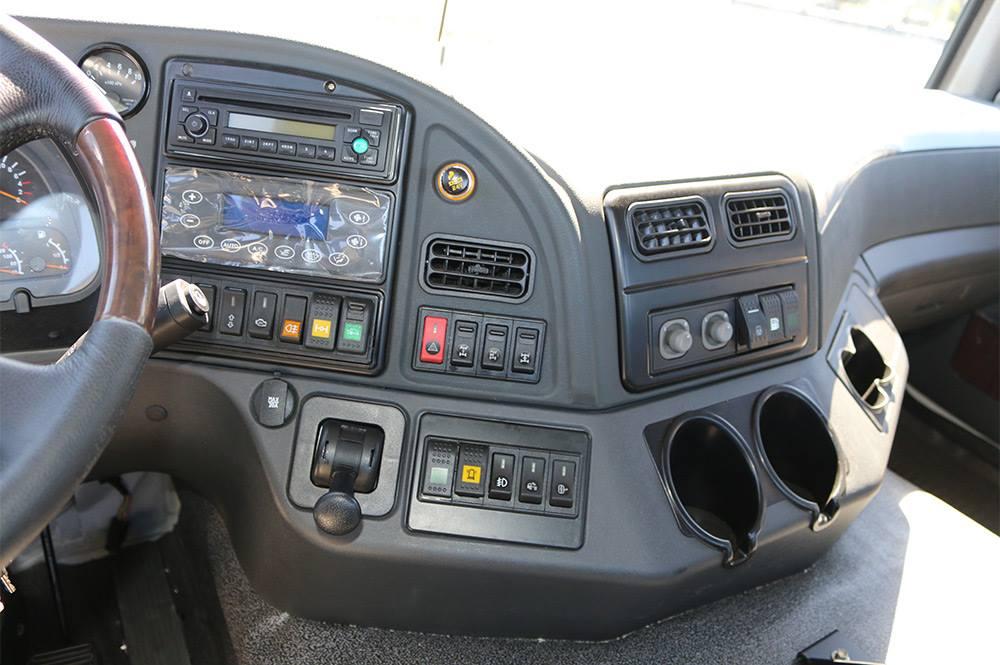 кабіна сідельного тягача КрАЗ-6510ТЕ (6х6)