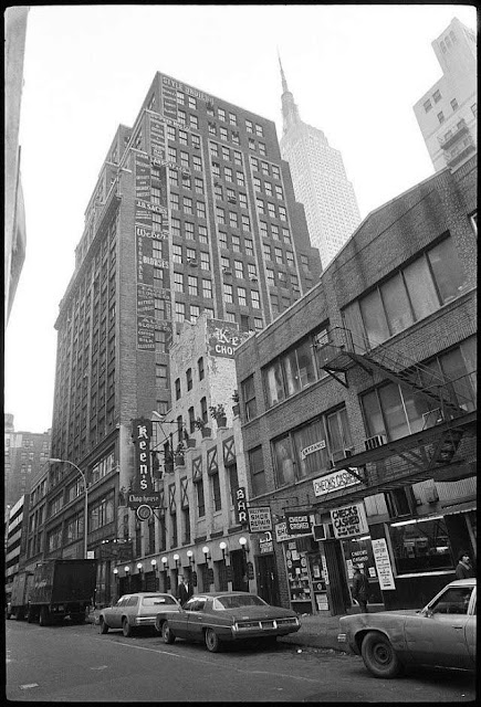Keen's Chop House on West 36th Street 1976 guns.filminspector.com
