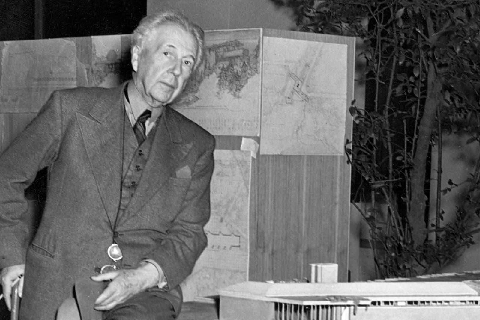 some facts about frank lloyd wright that you may already know. Black Bedroom Furniture Sets. Home Design Ideas