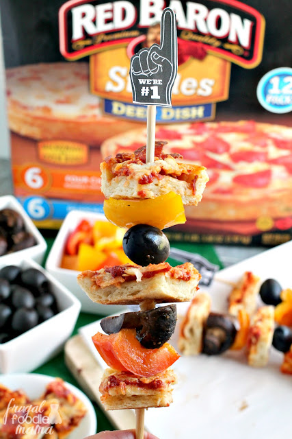 Bite-sized pieces of crispy cheese & pepperoni pizza are skewered with your favorite pizza toppings in these Easy Pizza Kabobs... perfect for game day entertaining!