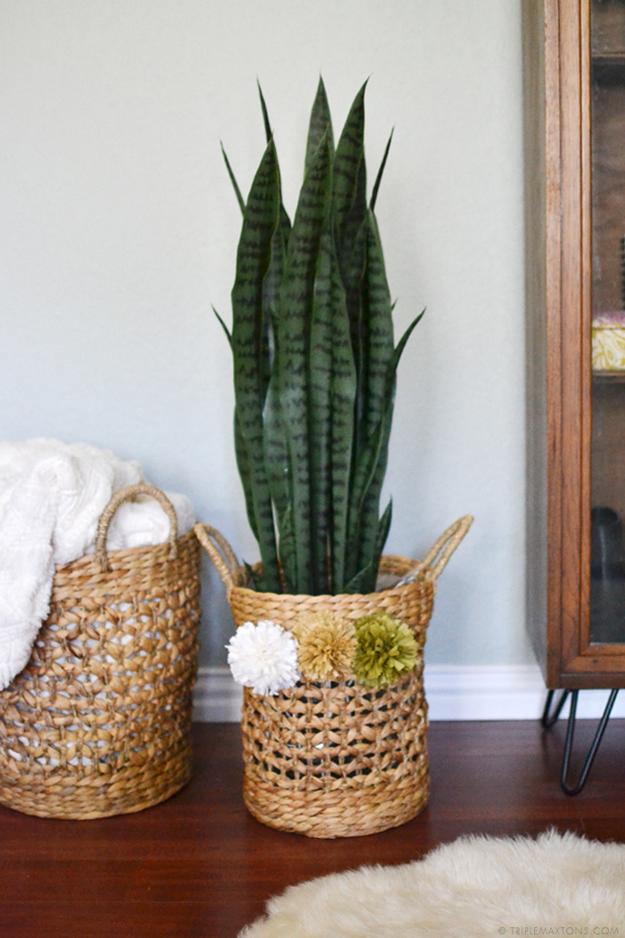 DIY raffia pom pom basket planter via Triple Max Tons