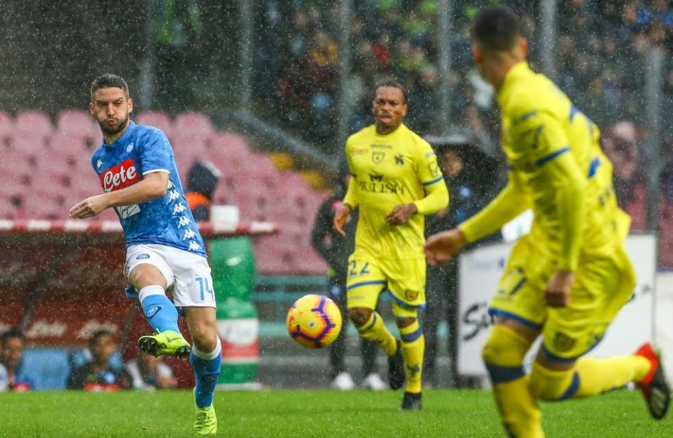 Napoli-Chievo finisce a reti bianche e la Juventus vola a +8 in classifica Serie A.