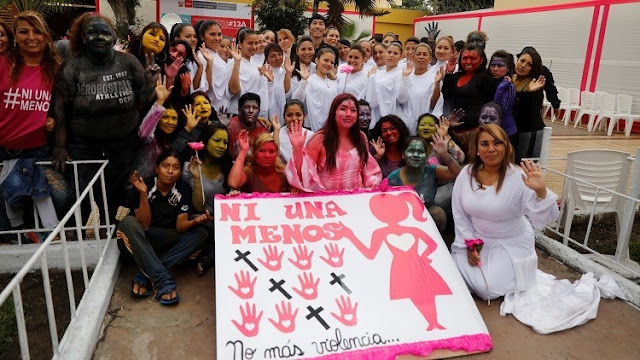 #NiUnaMenos: Decenas de miles de personas marchan en Perú contra la violencia que sufren las mujeres