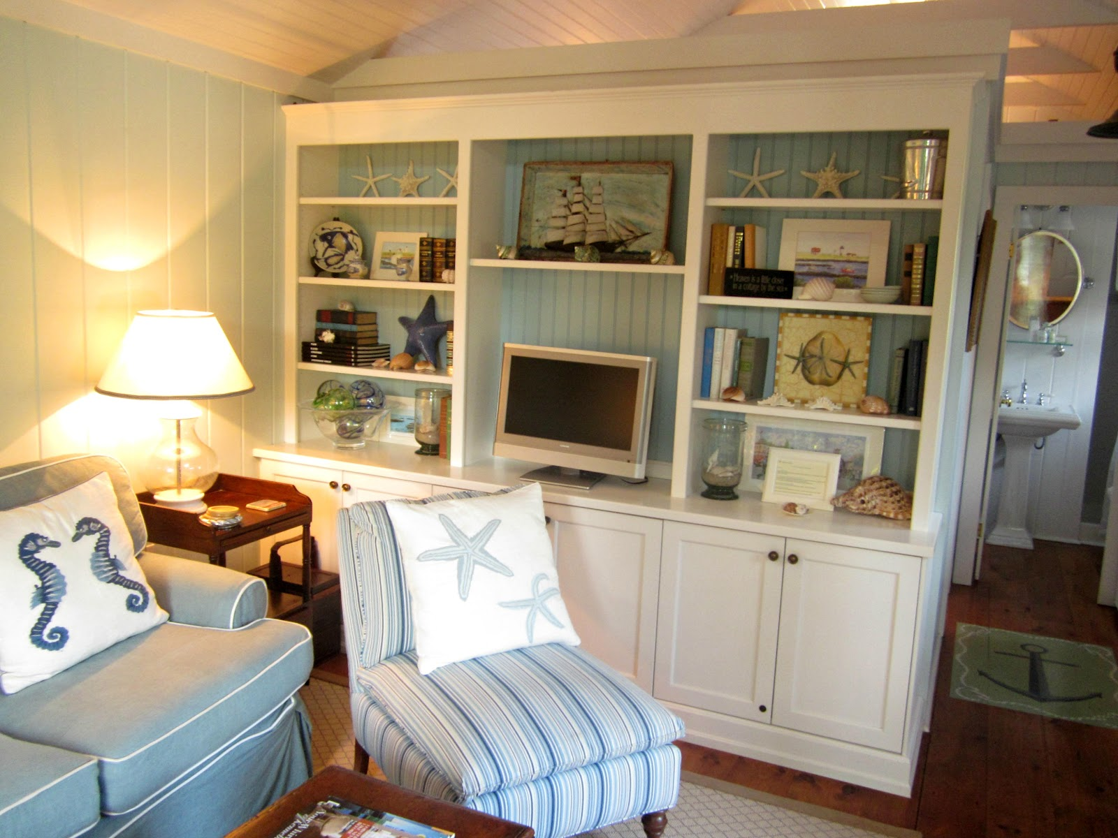 summer bedroom magazine in of kitchen plans spring country best fallwinter tags homes small modular photos bungalow curtains maine r style meredith for house cottage size houses full tag living room design home