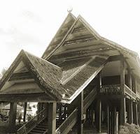 Keunikan-Rumah-Adat-Tradisional-Laikas-Suku-Tolaki-Sulawesi-Tenggara