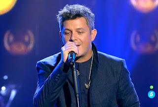 Equipo Alejandro Sanz cantan Quédate en Madrid de Mecano. Semifinal La Voz 2016