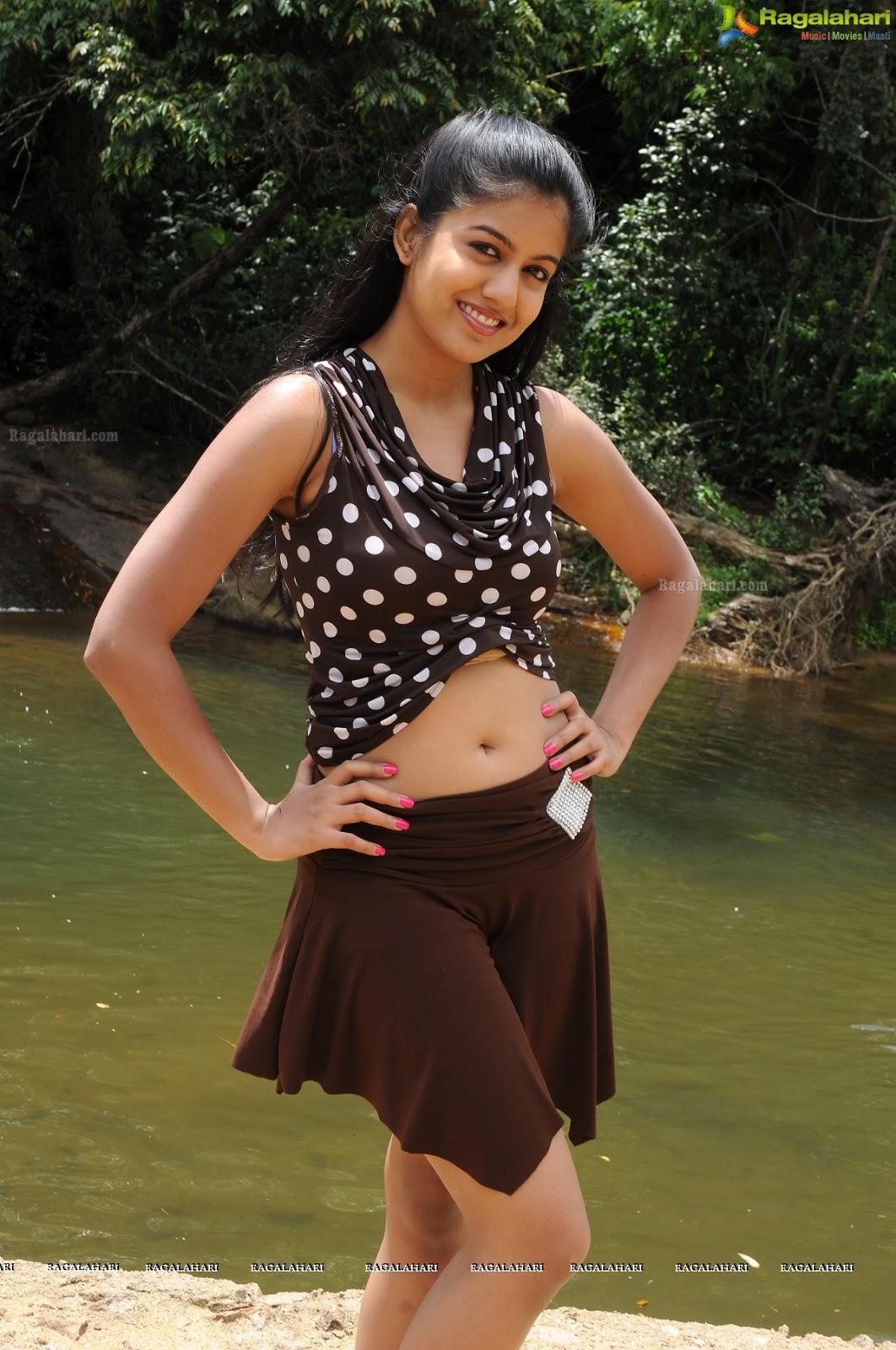 Drishyam Actress Ishita Dutta Hottest And Latest Pics -8878
