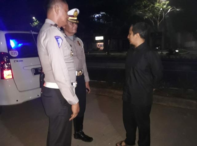 Tengok Lokasi Kecelakaan Pikap Rombongan Santri di Cipondoh, Ustaz Yusuf Mansur: Copot Jantung Saya