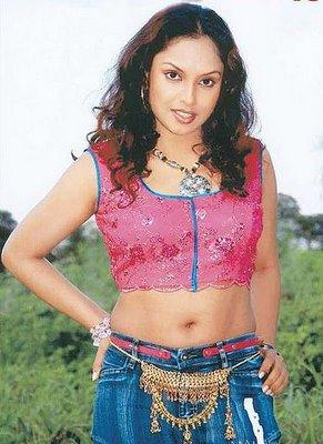 Malayala Actress Jyothirmayi Hot Navel Show Photos In Saree