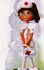 http://www.patronesfofuchas.org/2014/08/patrones-fofuchas-molde-gratis-enfermera.html